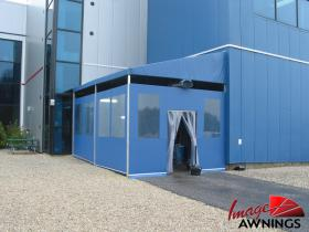 custom commercial awnings 18
