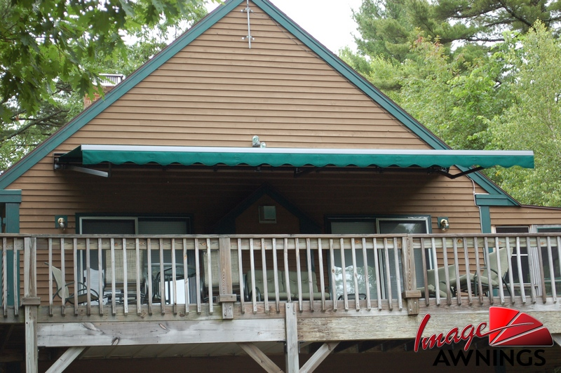 custom-motorized-and-retractable-awnings-image-003-by-image-awnings-nh.jpg
