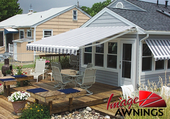 custom-motorized-and-retractable-awnings-image-017-by-image-awnings-nh.jpg