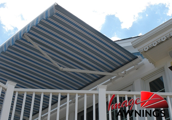 custom-motorized-and-retractable-awnings-image-020-by-image-awnings-nh.jpg